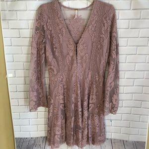 Dresses & Skirts - Free people lilac lace boho dress